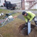 Vorbereitung Aufstellung Holzkreuz vor der St. Andreas Kirche